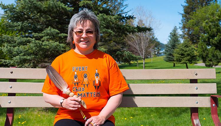 Phyllis Webstad et la chemise orange